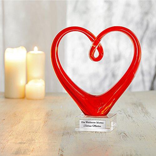 Casa Vivente Herz aus Glas – Rotes Glasherz als Skulptur – Plakette mit Gravur – Personalisiert mit Ihrem Wunschtext – Geschenk-Idee zum Valentinstag – Hochzeitsgeschenk – Dekoration