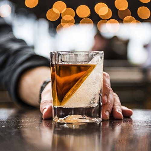 Das Whiskey Wedge Whiskyglas mit innovativer Eisform - 5