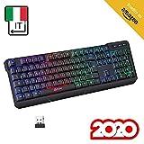 KLIMTM Chroma Tastiera Wireless Italiana - Sottile, Resistente, Ergonomica + Tastiera Gaming Retroilluminata Silenziosa e Impermeabile + Tastiera PC Mac PS4 Xbox + Nuova Versione 2020 + Nera