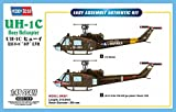 Hobby Boss 85803 Modellbausatz UH-1C Huey Helicopter