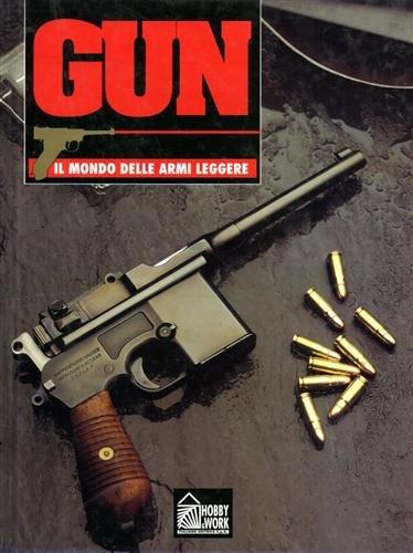 """Gun. Il mondo delle armi leggere. Vol. 8. Tra le armi descritte: Lee Enfield """"Short Magazine""""; MG42; Walther P38; Fucile francese Mod.1777; il MAB; Fucile P.14 e P.17; Kalashnikov AK47."""