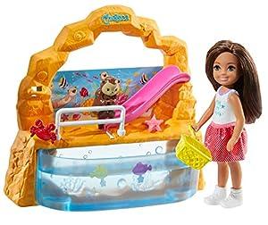 Barbie - Club Chelsea ¡Vamos al Acuario! Muñeca con accesorios (Mattel, GHV75)
