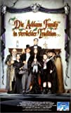 Die Addams Family in verrückter Tradition [VHS]