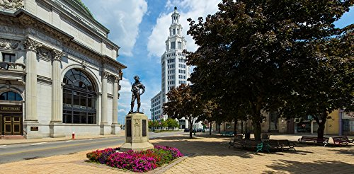 Panoramic Images – The Hiker sculpture at Theodore Roosevelt Plaza Buffalo Savings Bank General Electric Building Buffalo New York State USA Photo Print (91,44 x 30,48 cm) (General Building Electric)