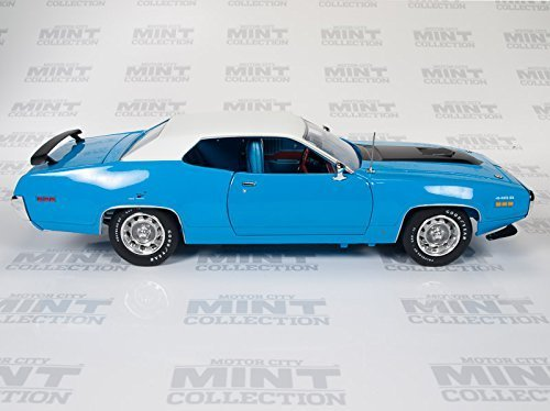 1971-plymouth-road-runner-426-hemi-petty-blue-1-18-by-autoworld-amm1012-by-auto-world