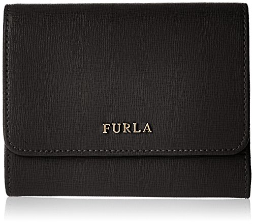 Buy the beautiful Wallet Babylon M Trifold available on our shop online. From Furla's collection, in genuine leather, with document holder, coin pouch and many credit card slots.