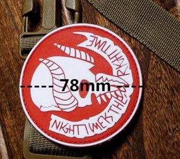 Ronde de Nuit Neuf Jormungand Navy Seal Team 9 Moral de l'armée en PVC  Badge Militaire Patch Tactique armée en Caoutchouc Patch PVC Badge: Rouge