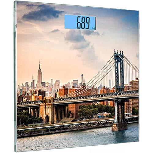 Ultraflache, hochpräzise Sensoren Digitale Personenwaage aus gehärtetem Glas in NYC, Manhattan Bridge und die New Yorker Skyline bei Sonnenuntergang East River Highrise Buildings Iconic Sites, R