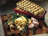 Käsecreme-Kugeln. Gib mir die Kugel einmal ganz anders, nämlich herzhaft-käsig ! Drei verschiedene Geschmacksrichtungen mit Gouda, Schinken und Kräutern der Provence. €26,56/kg