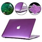 i-Buy Harte Schutzhülle Hülle für Apple Macbook Pro 15.4 Zoll mit Retina Display + Schutzfolie + Silikon Tastaturschutz + Anti-Staub-Stecker - Metallischen Lila