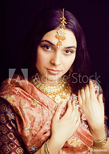 druck-shop24 Wunschmotiv: Beauty Sweet real Indian Girl in Sari Smiling on Black backgroun #196909490 - Bild auf Leinwand - 3:2-60 x 40 cm / 40 x 60 cm Black Indian Girl