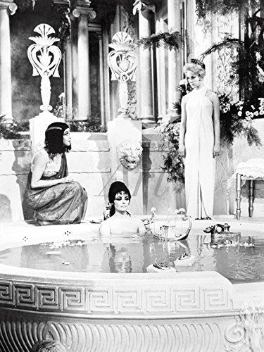 Artland Wandbilder selbstklebend aus Vliesstoff oder Vinyl-Folie Filmszene Cleopatra 1963 Film & TV Stars Fotografie Schwarz/Weiß C2QG (Sklavinnen Bilder)