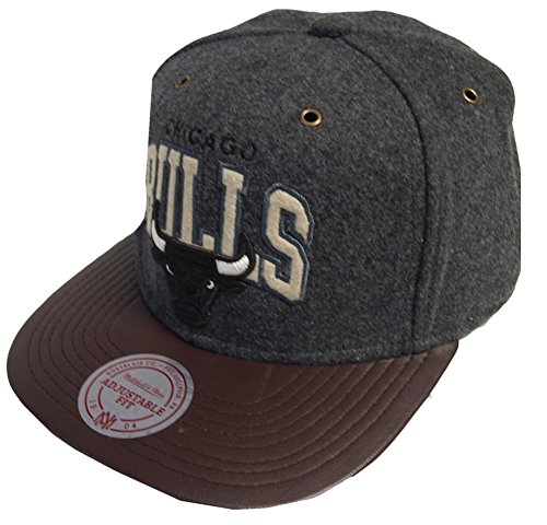 Mitchell And Ness - Casquette Strapback Homme Chicago Bulls Podium - Grey