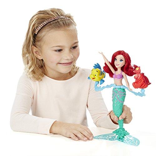 Disney Princess Princesas Muñeca, Color Verde y Rojo (Hasbro Spain B5308EU4)