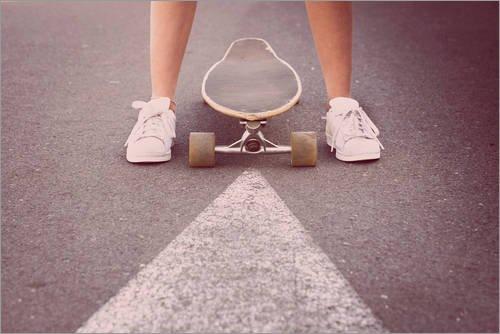 Posterlounge Alubild 90 x 60 cm: Jugendliche mit Longboard von Westend61 / Mauritius Images