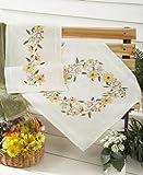"""Bezaubernde Stickpackung """"SONNENSCHEIN"""" mit wundervollen gelben Blumen - Stickdecke 80 cm x 80 cm - Kreuzstich vorgezeichnet - aus 100 % Baumwolle - qualitativ sehr hochwertig - zum Sofort-Loslegen - Mitteldecke 80 x 80 - zum Selbersticken - aus dem KAMACA-SHOP"""