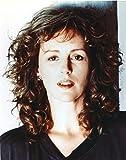 The Poster Corp Bonnie Bedelia in Black Shirt Close Up Portrait Photo Print (60,96 x 76,20 cm)