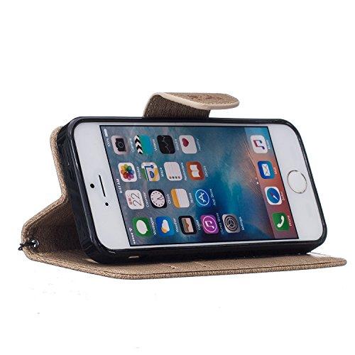 Roreikes Apple iPhone SE 5 5S Coque, iPhone SE 5 5S Case, Tronçonneuse Ours Conception conception de modèle de motif en relief Folio Cover Wallet Style Book avec fente Stand carte de fonction et magné Light Brown