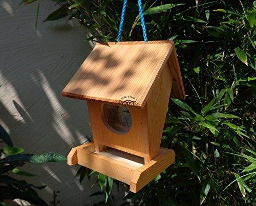Vogelhaus BEL0--X-VOFU1K-hbraun002 Robustes, stabiles PREMIUM Vogelhaus, FUTTERHAUS für Vögel, WINTERFEST - MIT FUTTERSCHACHT Futtervorrat, Vogelfutter-Station Farbe braun hellbraun behandelt / lasiert braun/orange/natur, Ausführung Naturholz, mit KLARSICHT-Scheibe zur Füllstandkontrolle, Schreinerarbeit aus Vollholz -