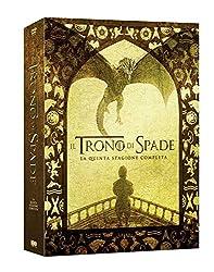 Eddard Stark, lord di Grande Inverno, viene incaricato dal suo re e amico Robert Baratheon di recarsi ad Approdo del Re per ricoprire la carica di Primo Cavaliere del Re. La guerra fra i Sette Regni e' pero' alle porte, a causa degli intrighi e delle...