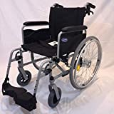 Invacare Rollstuhl Action 1 NG silbergrau  Armlehnen lang Sitzbreite 45 cm inkl. Trommelbremse + Steckachsensystem + UA-Gehstützenhalterung + Beckengurt