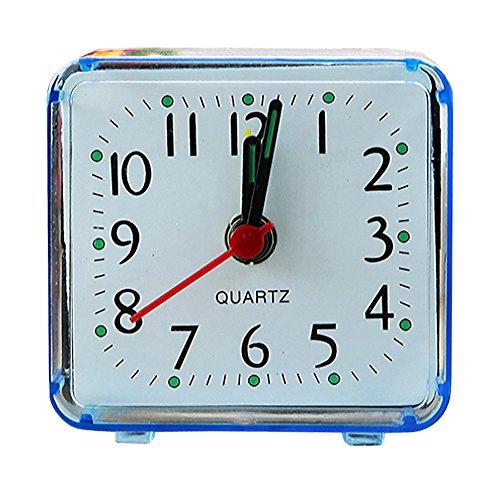 Lookhy Square Small Bed Compact Travel Quartz Beep Alarm Clock Cute Portable LED Digitaler Wecker mit USB-Ladeanschluss, Große Ziffern Display Lauter Helligkeit und Lautstärke Regelbar