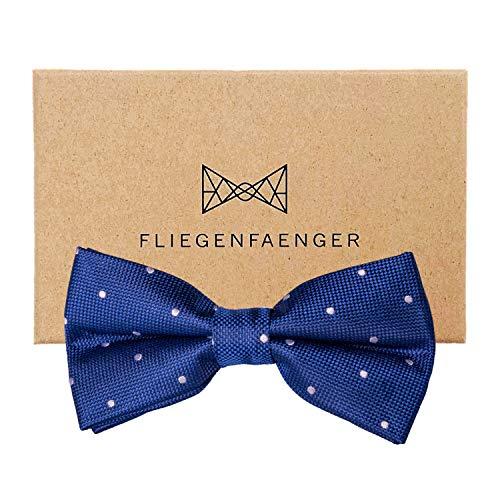 FLIEGENFAENGER® Herren Anzug Fliege [Blau Weiß gepunktet] - vorgebunden und individuell verstellbare Schleife Accessoire für Männer inklusive Geschenkbox kombinierbar mit Einstecktuch -