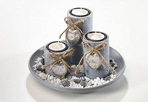 Coupe en bois avec trois bougies, gris