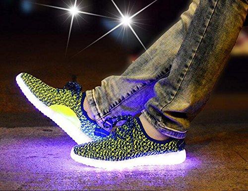 Il LED illumina la molla della scarpa da tennis e i pattini di sport della maglia di estate il tessuto del flyknit e le suole di gomma sette colori cambiano ed undici generi di modo lampeggiante Green