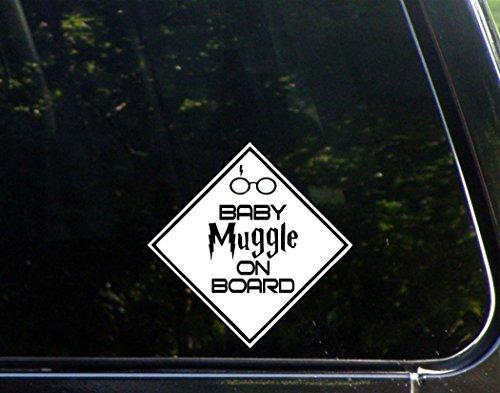 Baby Muggle On Board-15,2x 15,2cm-VINYL die cut Aufkleber/Bumper Aufkleber für Windows, Lkws, Autos, Laptops, MacBooks, etc.. -
