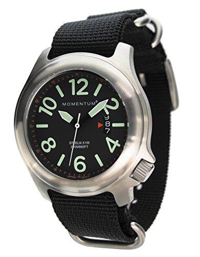 MOMENTUM Herren Sportuhr | Steelix Nylon Adventure Sports Watch | Edelstahl Armbanduhren für Männer | Analoge Uhr mit japanischem Uhrwerk | Wasserdicht (200M) Klassische Armbanduhr - Schwarz