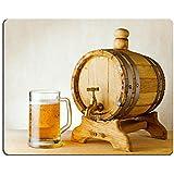 liili Mouse Pad de goma natural mousepad barril de cerveza y en la Mesa de madera imagen ID 10658440