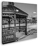 deyoli wunderschöner Pavillon im Schnee im Format: 70x70 Effekt: Schwarz&Weiß als Leinwandbild, Motiv auf Echtholzrahmen, Hochwertiger Digitaldruck mit Rahmen, Kein Poster oder Plakat