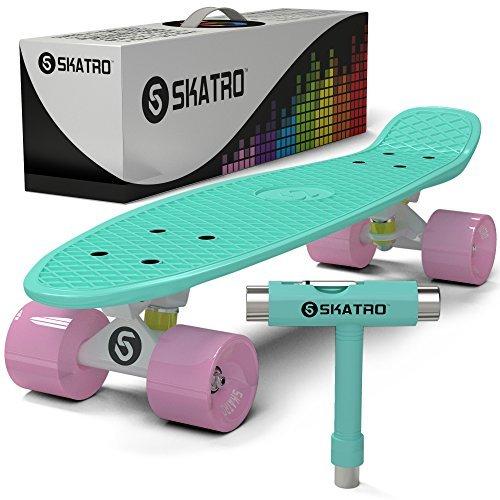 Skatro - Mini-Cruiser-Skateboard. 22 Zoll Kunststoff-Board im Retro-Stil, komplett mit -