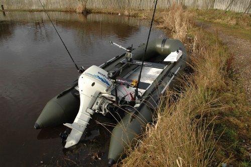 Bison Sportboot, aufblasbar, Olivgrün, ca. 4m