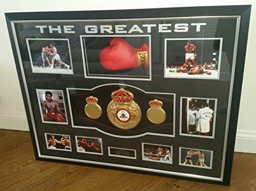 Boxhandschuh mit Autogramm von Muhammad Ali und Weltmeisterschafts-Gürtel, sehr selten Ali Boxhandschuhe