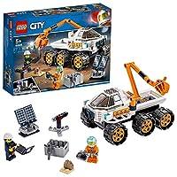 La Space Agency di LEGO City ha bisogno di te Unisciti agli astronauti per un'emozionante missione sul pianeta Marte. Sali sul Mars Rover per una prova di guida nel deserto. Regola il generatore del pannello solare per la massima potenza, quindi recu...