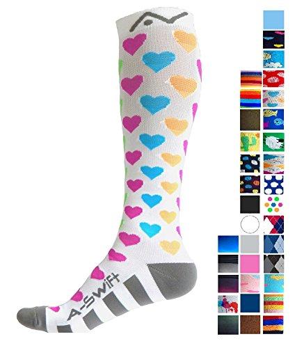 A-Swift - Par de calcetines de compresión unisex por debajo de la rodilla, ideales para correr, atletismo, Cross Training, vuelos en avión, enfermería, maternidad y embarazo, S, Bright Hearts
