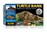 Exo Terra Turtle Bank (sponda per tartarughe) è un'area di superficie galleggiante per la termoregolazione delle tartarughe acquatiche. La sponda galleggiante viene ancorata in un angolo per assicurare un'area destinata al nuoto degli animali...