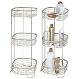mDesign 2er-Set freistehendes Badregal aus Metall – rostbeständiges Badezimmer Regal mit drei Ebenen für Handtücher, Shampoo und Seife – Handtuchhalter stehend – mattsilberfarben