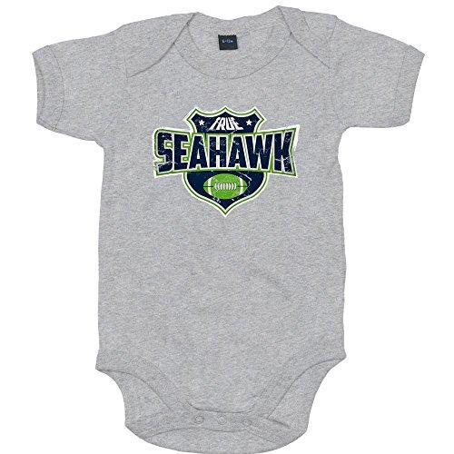 Shirt Happenz True Seahawk Premium Babybody American Football Super Bowl NFL Mädchen und Jungen Kurzarmbody, Farbe:Grau-Meliert (Heather Grey Melange BZ10);Größe:0-3 Monate