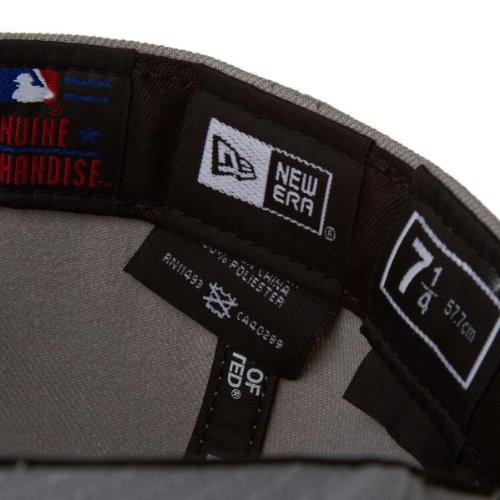 New Era Erwachsene Baseball Cap Mütze MLB Basic NY Yankees 59 Fifty Fitted grau-weiß