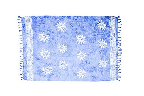 ManuMar Damen Sarong | Pareo Strandtuch | Leichtes Wickeltuch in hell-blau mit Sonne-Motiv mit Fransen-Quasten XXL Übergröße 115x225 cm