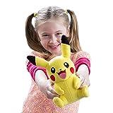 Tomy Pikachu Plüsch - hochwertiges Pokémon Stofftier 20 cm groß - zum Spielen und Sammeln - ab 3 Jahre -