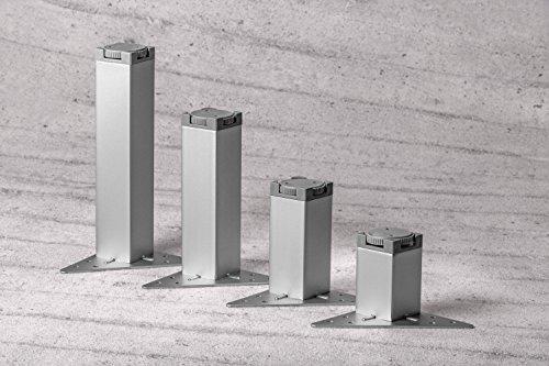 GedoTec Moderner Sockelfuß Möbelfuß höhen-verstellbar MARIE aus Metall | Höhe 200 mm | Schrankfuß mit Regulierschraube | Design Verstellfuß verchromt matt | Eckfuß mit Dreieck-Anschraubplatte | Markenqualität für Ihren Wohnbereich