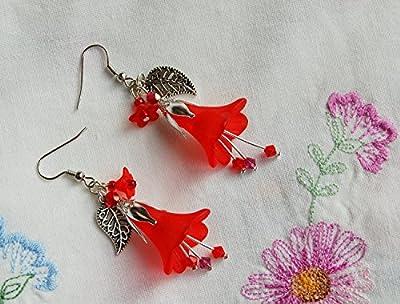 Boucles d'oreilles fleurs rouges, avec petits cristaux Swarovski - le petit chaperon rouge - bijoux gothique/tulipes fleurs du printemps/féerique/dark mori/vampir/Reine des Fées