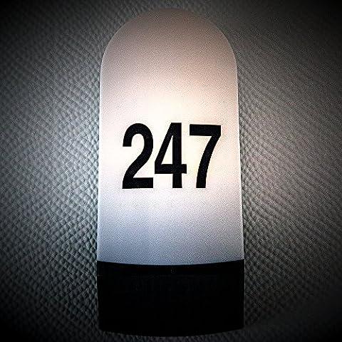 Individuelle Hausnummernbeleuchtung von Philips/ Massive inkl. 6 Watt LED Leuchtmittel. Außenbeleuchtung inkl. Hausnummern und Leuchtmittel, Ihre persönliche Wandleuchte! Außenleuchte, Hausnummer, Hausnummernleucht