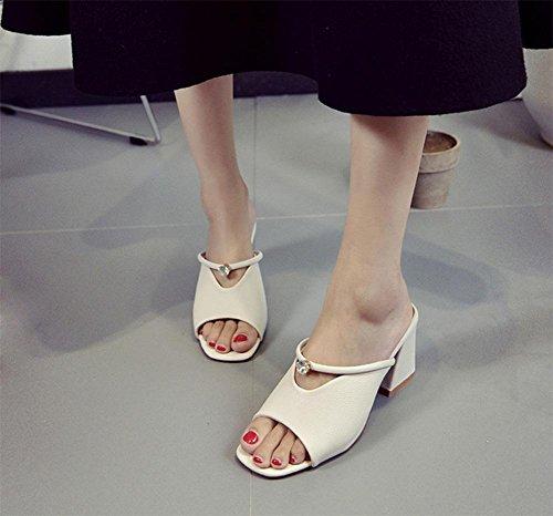 Freizeitschuhe der Frauen Sandalen Sommer Sandalen und Pantoffeln White