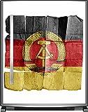 Wallario Sticker/Aufkleber für Kühlschrank/Geschirrspüler/Küchenschränke, selbstklebende Folie - 65 x 80 cm, Motiv: DDR Flagge auf altem Papier - schwarz rot gold