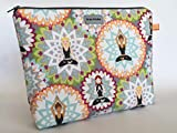 Kosmetiktasche' Yogini' Schminktasche Kulturtasche aus amerikanischen Designerstoff mit Yoga und...